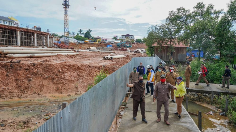 Warga RT 26 Ngeluh ke Dewan Terkait Dampak Pembangunan BCM ...